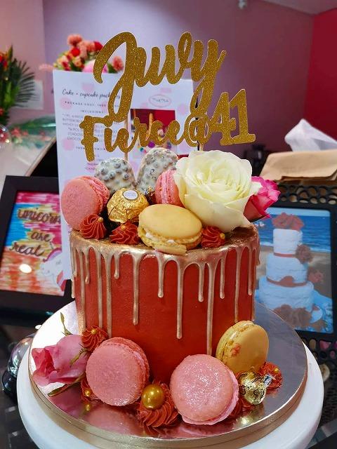 ピンク ゴールド ケーキ