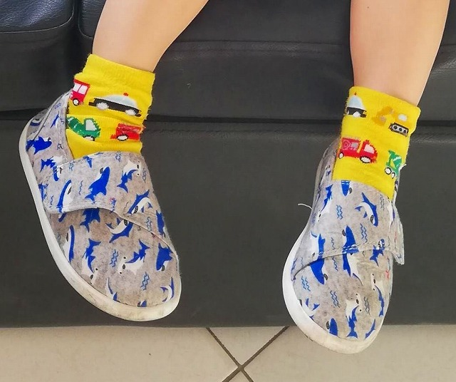 アヤラモール 子供 靴