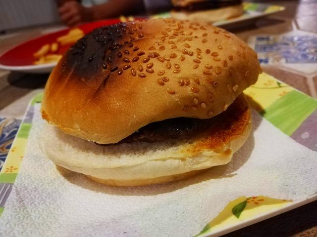 CB Grill ハンバーガー
