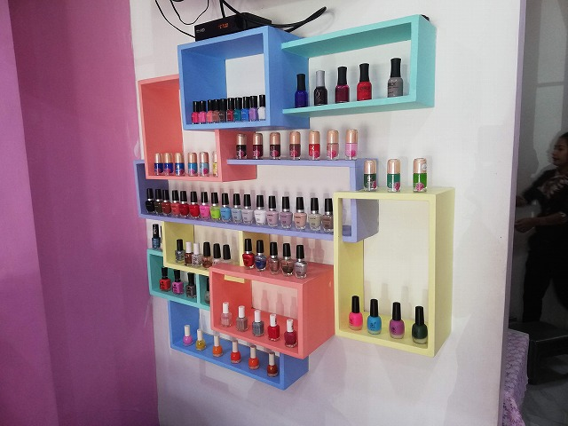 Paint and Polish Nail House 店内