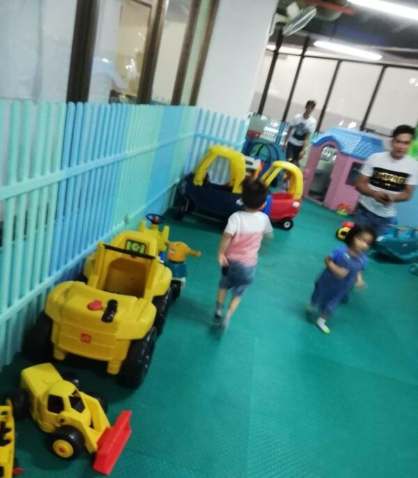 ドゥマゲテ 室内遊び場 リープラザ